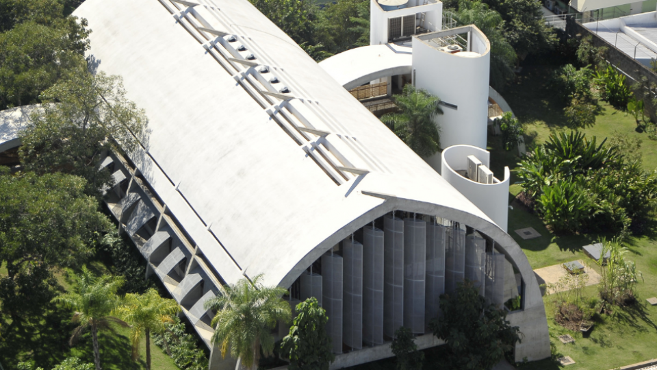 Prédio brasileiro é premiado como melhor projeto sustentável da América